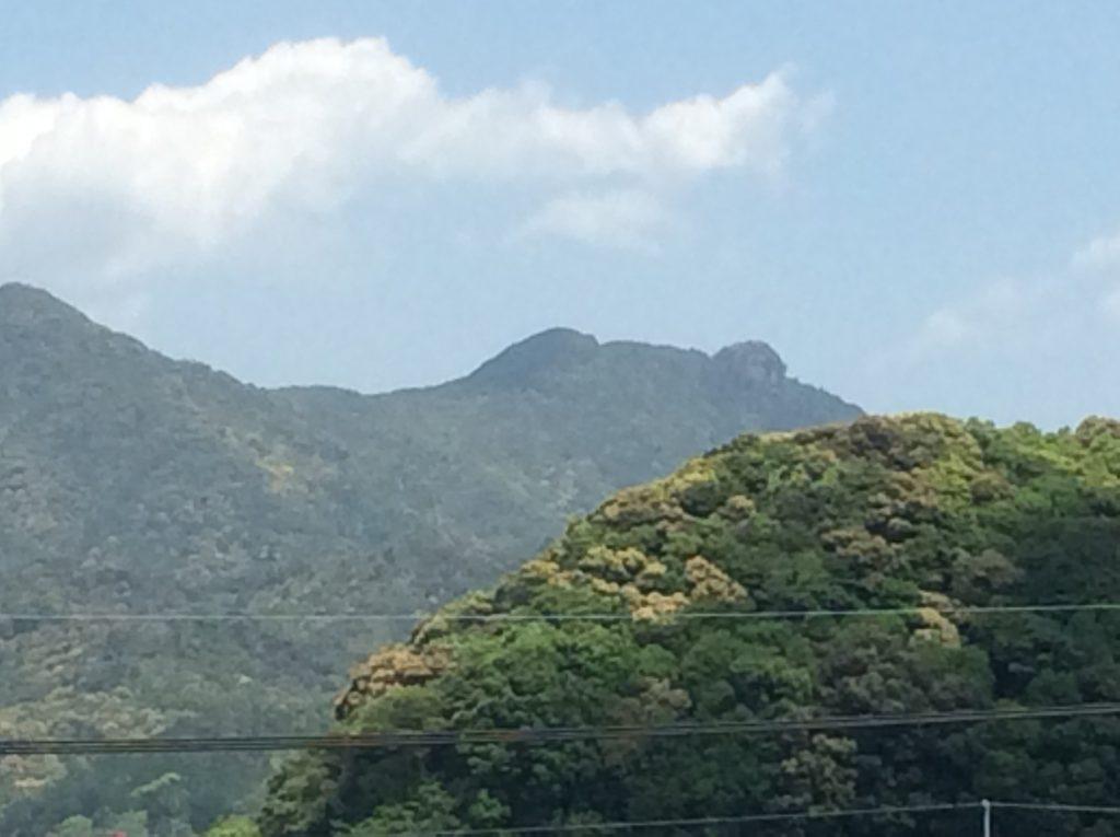 黒髪山天童岩